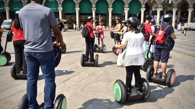 Segway Group Tour 3,5 h in Milan