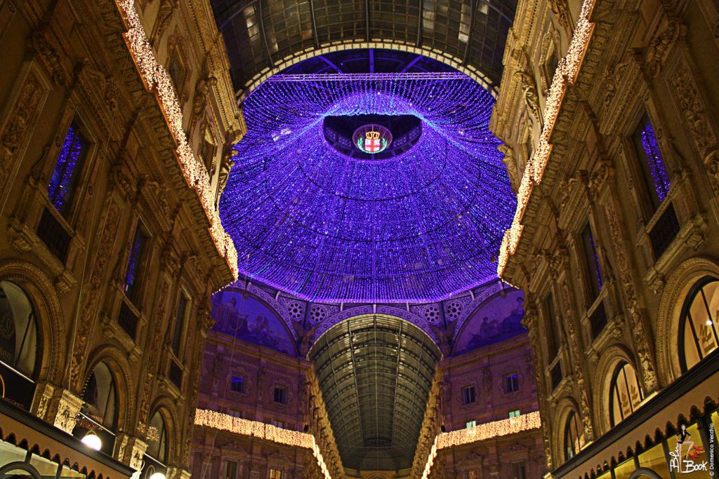 Milano, Galleria Vittorio Emanuele II, illuminazione natale 2011